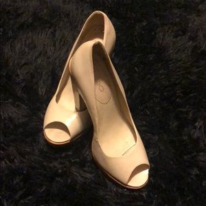 Aldo thick wooden heel made in Brazil